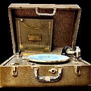 Portable Record Player Plaza Music Co. New York. PAL Standard