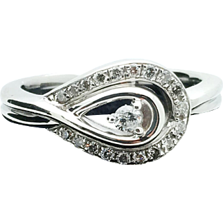 Estate Sterling Silver and Diamond Ring. 0.24TCW