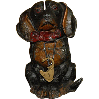 Money box * dachshund sitting with a red bow * metal cast hand-painted at 1900