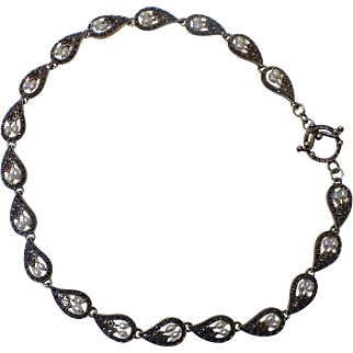 Sterling silver marcasite and pearl necklace