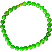 Rare apple / emerald green bakelite necklace, semi-translucent swirled beads, 1940s, France