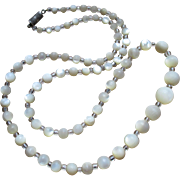 French mother of pearl round bead necklace, 1950s, nice luminosity
