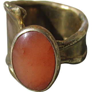 French brutalist / modernist ring, handmade gold / bronze tone with carnelian, 1970s adjustable