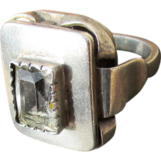 Modernist 800 silver ring with gray stone, square cut mid century style, French or Scandinavian, 9.4g