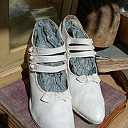 Delightful pair white canvas antique Edwardian ladies summer shoes with 3 button straps 1910