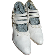 Delightful pair white canvas antique Edwardian ladies summer shoes with 3 button straps 1910