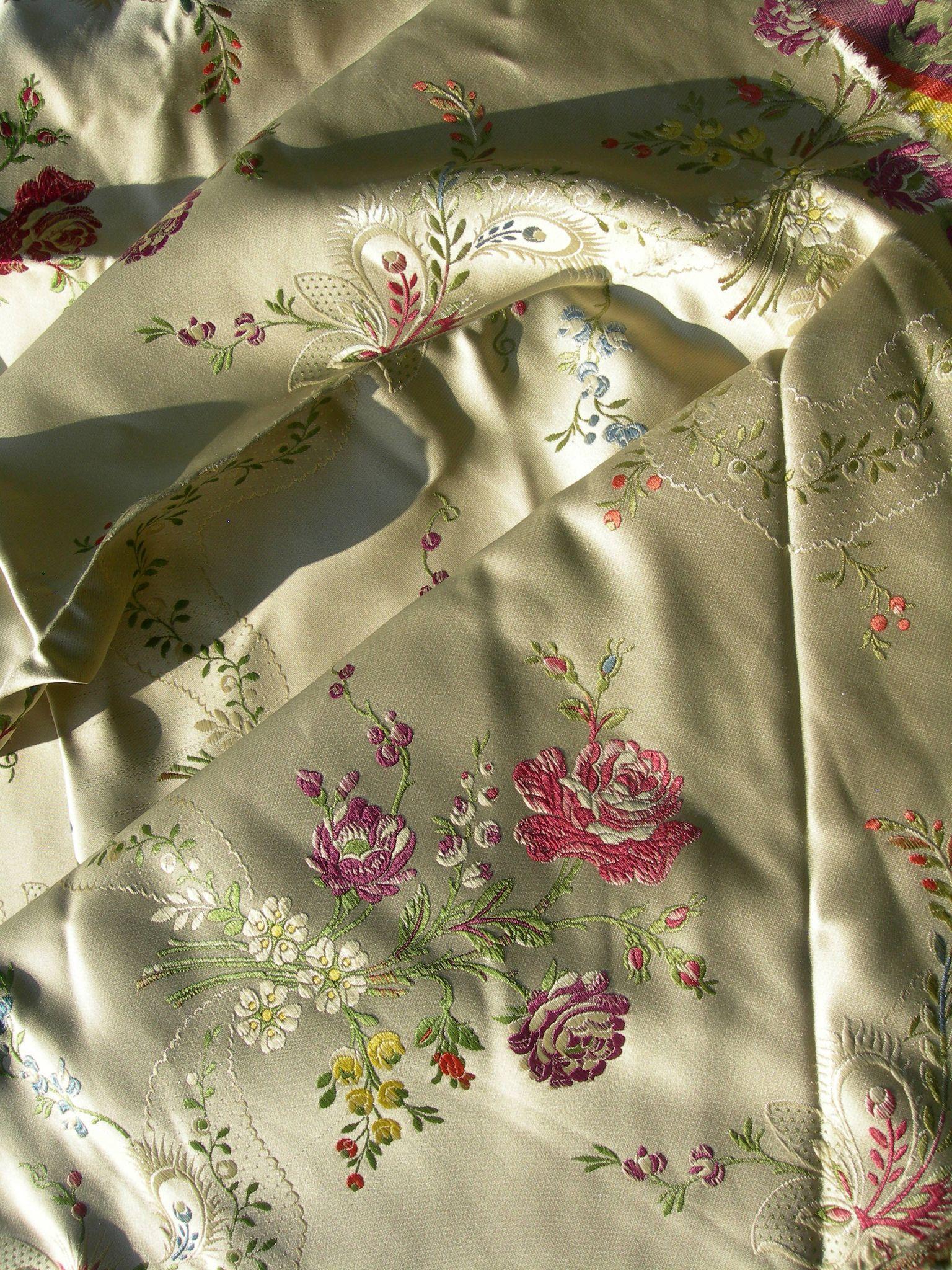 Beautiful large panel antique French 19th century Lyon silk - sprays of flowers