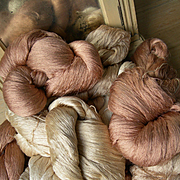 Huge lot: 8 large skeins vintage French pure silk very fine thread - Manufacture des Soies, Lyon