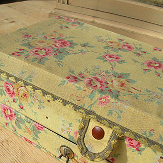 Delightful vintage French fabric-covered boudoir trinket sewing box - cabbage roses