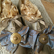 Exquisite pair antique Victorian 1840s glace leather shoes w. shot silk ribbons