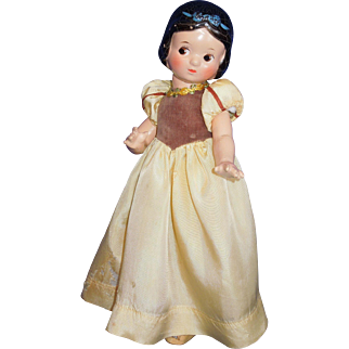 """Composition Walt Disney 1937 15"""" Snow White doll in original outfit"""
