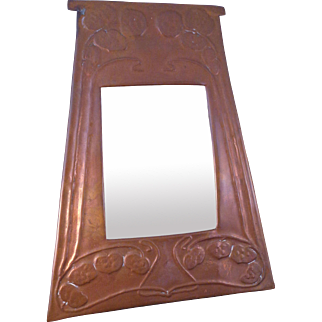 Great Vintage ARTS & CRAFTS to ART NOUVEAU Copper Repousse' Decorative Mirror Frame ca: 1900-1910