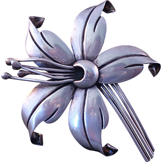 Pretty Vintage MARICELA Mexican Silver Flower Brooch Signed ca: 1940s-50s