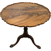 Baker mahogany tilt top table, round pie-crust top, birdcage support