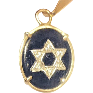 14K Gold Star of David with Onix and Diamonds. Israeli Jewelry.