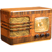 1939 Emerson AM Radio Model 52