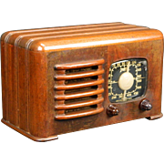 1941 Zenith AM Radio Model 6D525