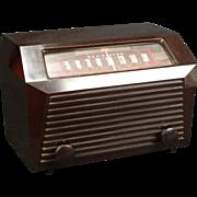 1947 RCA AM radio Model 9X641
