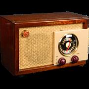 1948 general Electric AM & FM Radio Model 212