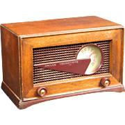 "1949 Philco AM Radio Model 49-506 ""The Wedge"""