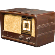 1955 Constellation AM Radio Model 1135