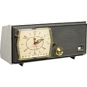 1959 RCA AM Clock Radio Model C2J