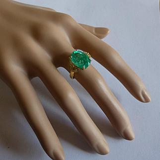 6.37 natural Emerald Ring……at this price !
