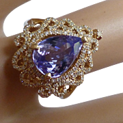 A very special Blue Tanzanite & Diamond Fancy 14k Ring