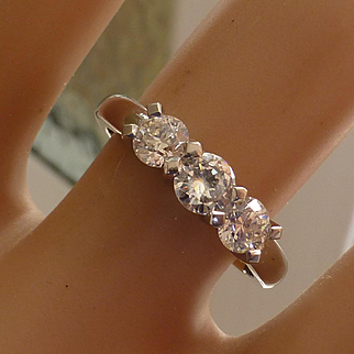 Quality 3 Stone Diamond Platinum Ring * * * * *