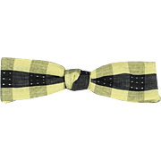 Vintage 1950s Batwing Bow Tie Bowtie Beau Brummell Snap On Yellow and Black NWT Original Card and Box