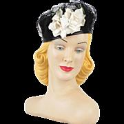 Vintage 1940s Hat Black Straw Tilt with White Rose Sz 22