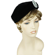 Vintage 1950s Hat Black Velvet Sculptured Beret with Brooch