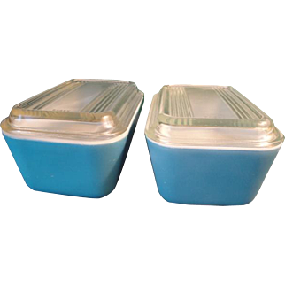 2 Blue Pyrex Refrigerator Dishes With Clear Glass Lids, 1950's - 1960's