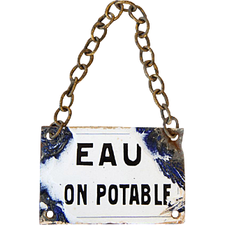 Antique French Porcelaine Enamel Plate With Chain - Eau Non Potable - Non Drinking Water