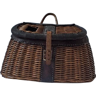 Vintage fishing creel with leather details