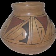 "Mata Ortiz Pottery Pot w/Black and Red Design - 5 7/8"" Tall"
