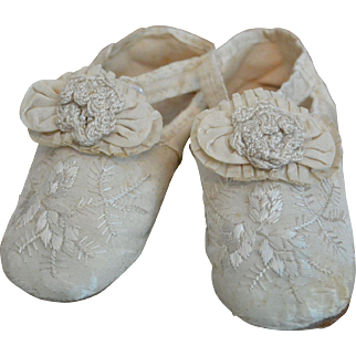 """Museum Quality 1850s Embroidered Silk Slippers for Large Doll/Child"""