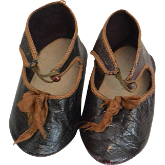 """Dark Brown Antique Doll Shoes Size 10"""
