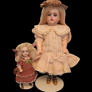 """""""Dreamy 12 inch Kammer & Reinhardt Doll with Five Piece Body"""""""