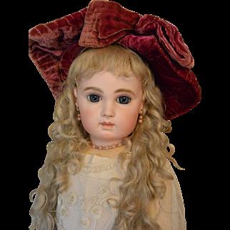 """Wonderful Vintage Velvet Hat for Antique Doll"""