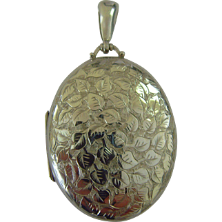 Victorian engraved silver locket
