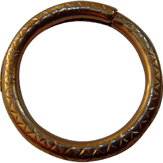 Late Georgian - Early Victorian 9ct gold split ring