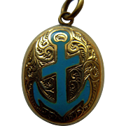 Victorian 9 ct and enamel mourning pendant