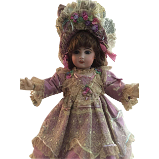 """Fabulous Couture Dress For 20"""" French/German Doll"""