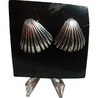 Beautiful Sterling silver Shell Design Earrings