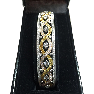 Spectacular Tri-Color 18kt Gold Diamond Bangle Bracelet