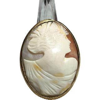 14kt Gold Framed Shell Cameo