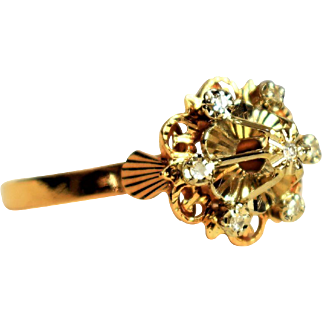 Vintage Engagement Ring 18k Gold Diamond Daisy Ring Seventh 7th Anniversary Ring Vintage Diamond Daisy Ring 1950s Jewelry