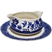 "Allerton's Blue Willow ""Smooth"" Gravy Boat"