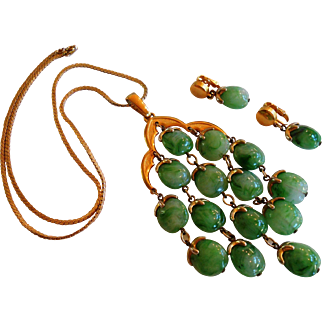 Trifari Green Marbled Lucite Necklace & Earring Set circa 1970